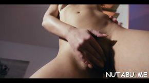 Nicole se freaca la pasarica si vrea sa ai o erectie mare