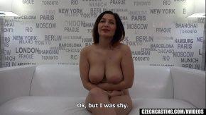 Amatoare cu sani frumosi vrea sex ca disperata
