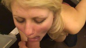 Suge pula cu pasiune si saruta coaiele