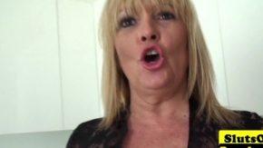 Sex mature care nu au luat niciodata ejaculare in gura