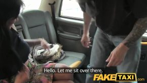 Fake taxi bruneta pusa capra mereu