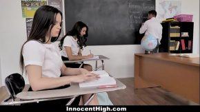 Eleve frumoase care au fantezii cu profesorul