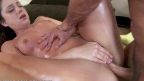 Fata vrea masaj erotic continuat cu o partida de sex speciala